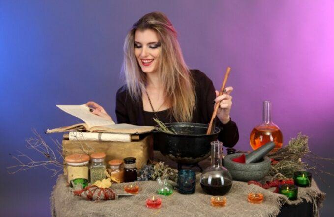 Магический ритуал с солью и водой