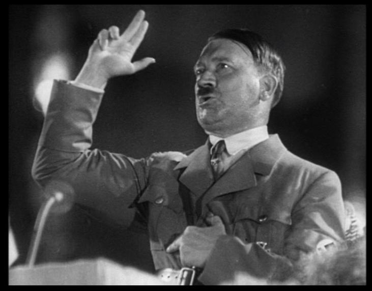 Адольф Гитлер перед публикой