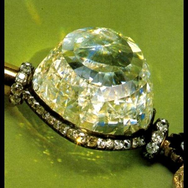 Алмаз - талисман для Дев первой декады
