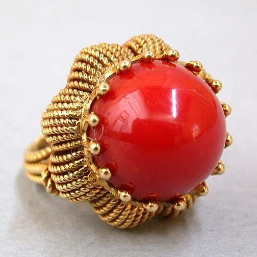 Коралловое кольцо
