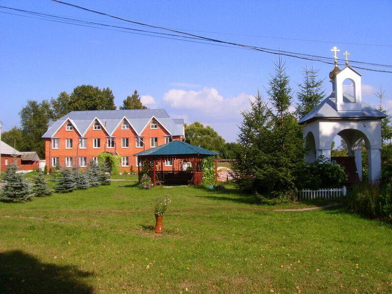 Монастырское подворье, где впервые была найдена икона