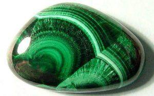 Малахит камень свойства
