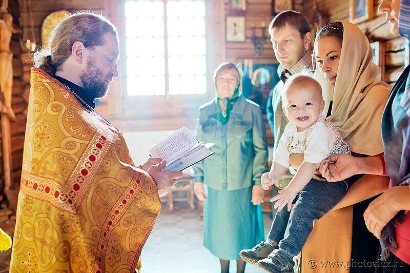 krestiny-v-cerkvi