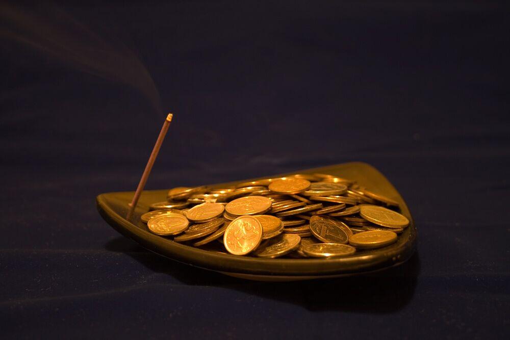 monety-i-svecha